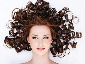 как красиво завить волосы плойкой