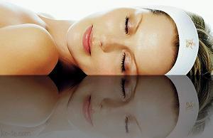 Почему шелушиться кожа на лице