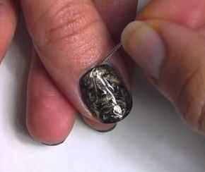 научиться рисовать на ногтях иголкой