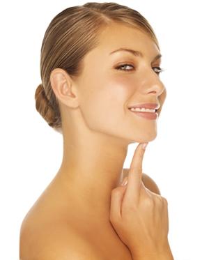 Как правильно очистить жирную кожу лица